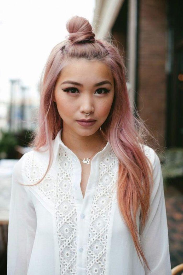 schöne frisuren, weißes hemd, make up, dutt-frisur, moderne haarfarbe