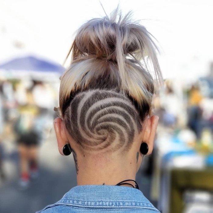 undercut frauen hinterkopf design hypnose kreis kreatives design blonde haare im dutt freche frisuren für lange haare