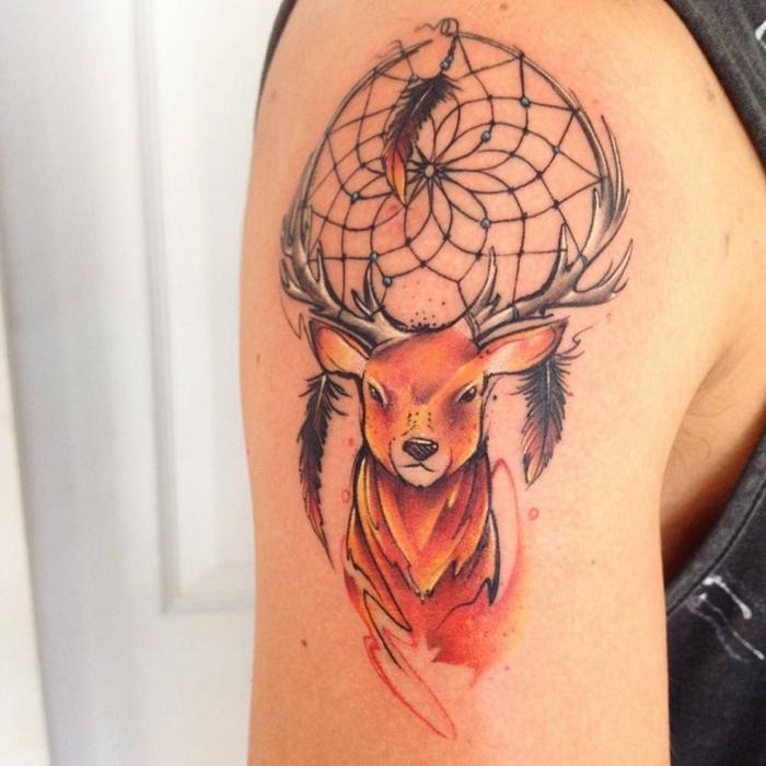 ein Kopf von Hirsch mit Traumfänger symbolhaftes Tattoo - Water Color Tattoo