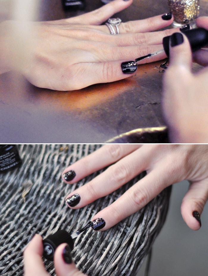 gelnägel bilder, schwarzen nagellack in kombination mit goldenem glitzer