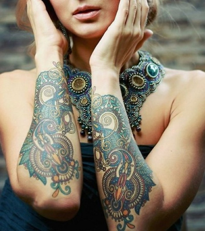 unterarm tattoos frauen antworten arm tattoo frau rose. Black Bedroom Furniture Sets. Home Design Ideas