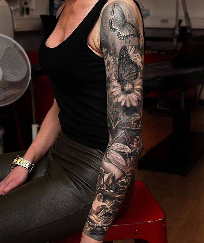 tattoo motive, tätowierung mit schmetterlingen und blumen