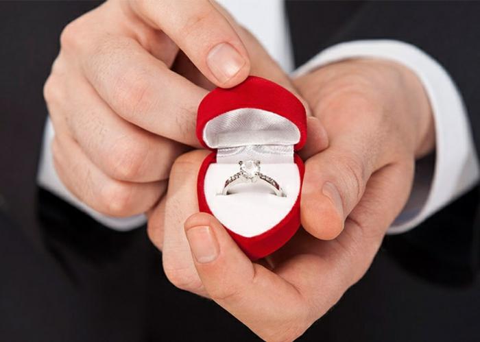 Anrags- und Verlobungsring mit Diamant Ringe kaufen Herzform