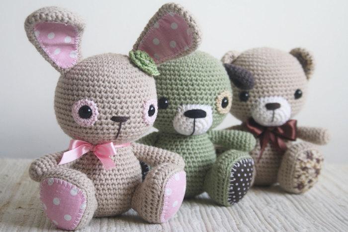 drei Figuren von Tieren - Kaninchen, Hund und Teddy Amigurumi häkeln