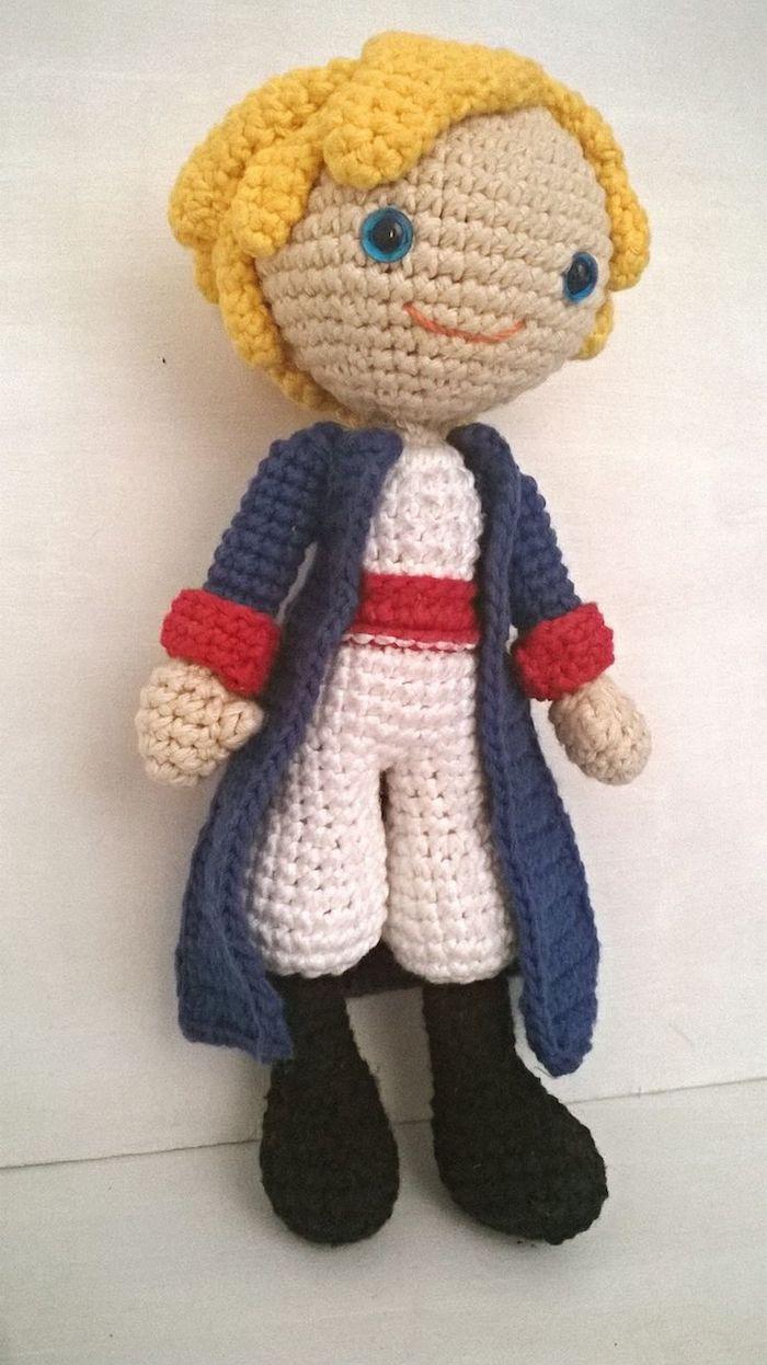 Der Kleine Prinz wie echt gehäkelt mit seinem blauen Augen - Amigurumi Anleitung