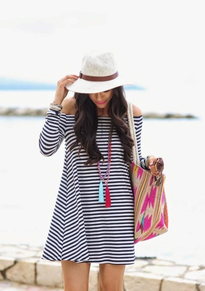 exklusive bademode trendy ideen für den sommer hut kette strandtasche