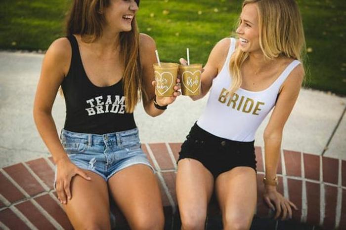 außergewöhnliche bikinis für eine party vor der hochzeit braut und freundinnen