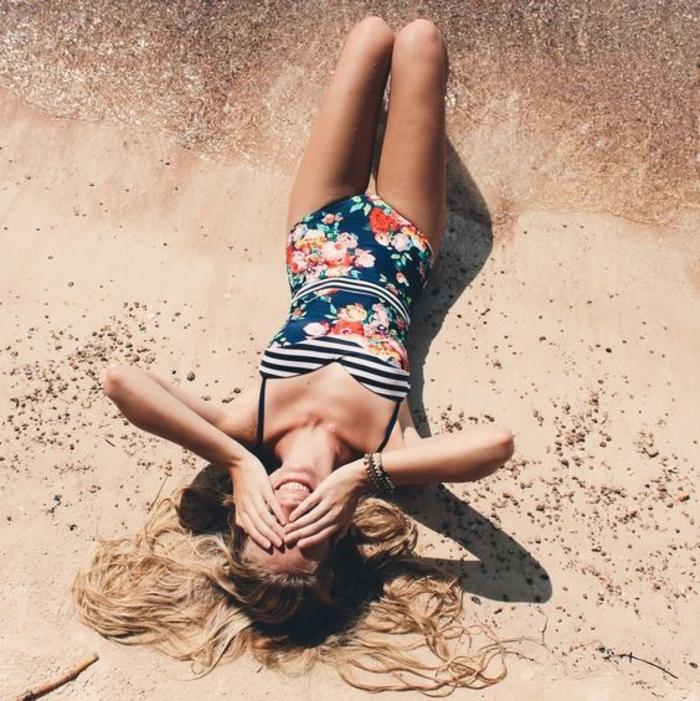 außergewöhnliche bikinis tolle badeanzug idee mit dekorativen elementen