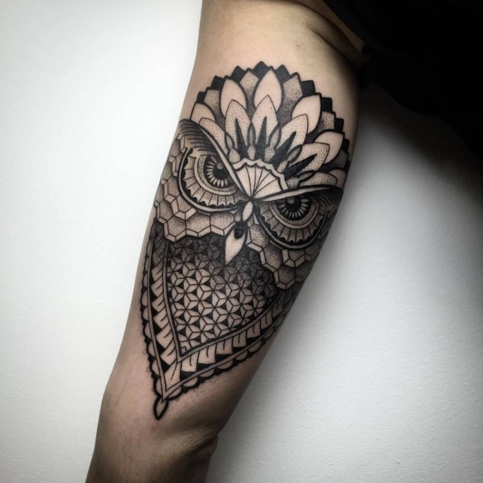 Tattoo geometric Eule Tattoo Mandala Tattoo mit abstrakten Muster Tattoo Arten