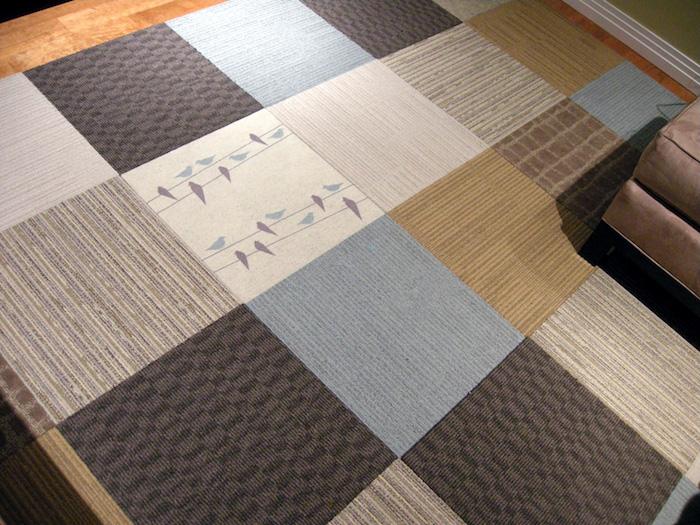 Teppich wie Fliesen in verschiedenen Farben und mit verschiedenen Motiven pflegeleichter Teppich