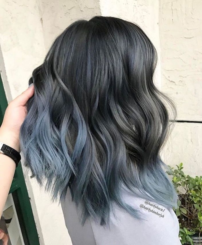 braune haare grau färben, bob-frisur im obre look, graue spitzen