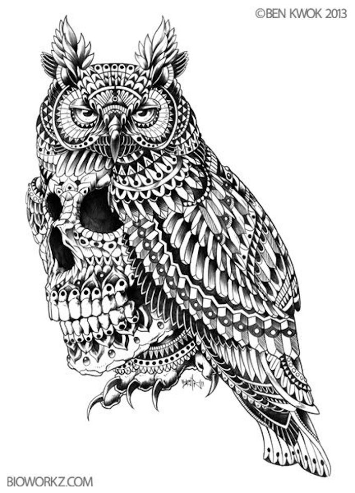 werfen sie einen blick auf diese idee für einen owl tattoo - hier sind ein großer uhu und ein totenkopf