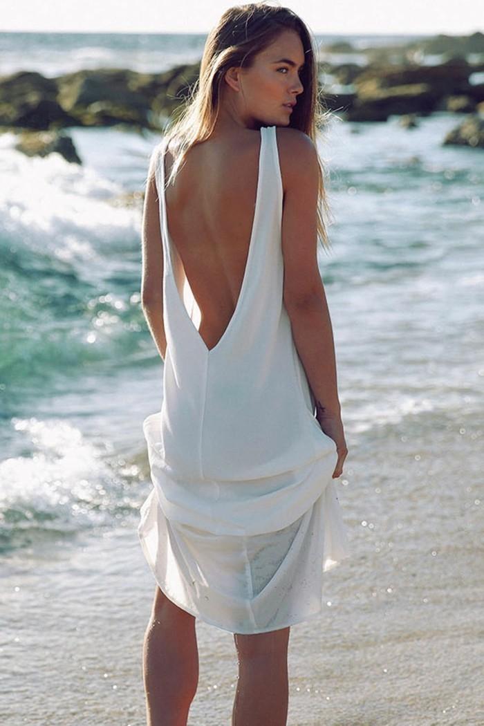 beach outfits ausgeschnittenes kleid weiße farbe trendy modelle strand meer