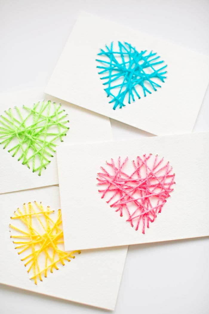Postkarten selber basteln, Materialien: Papier, Garn, Nadel, kreatives Geschenk selber machen