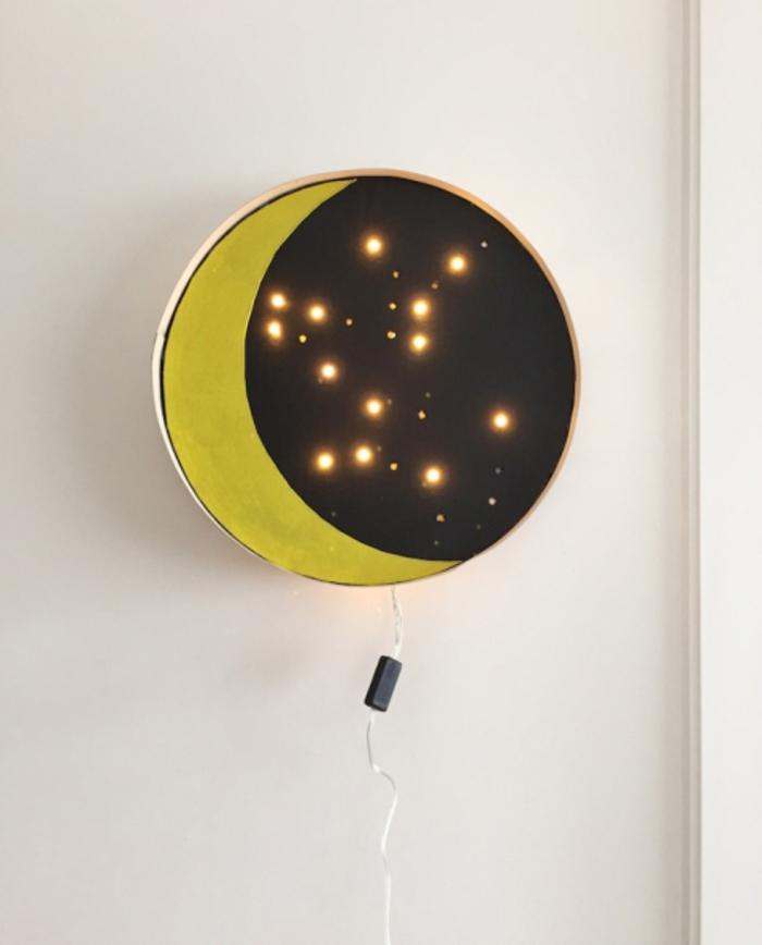 schöne Nachttischlampe- Nachthimmel, Mond und Sterne auszeichnen, DIY Ideen zum Nachmachen