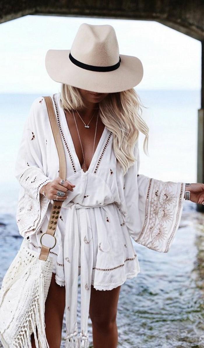 italienische bikinis italienischer boho stil tolles outfit in weiß hut ketten golden kleid breit