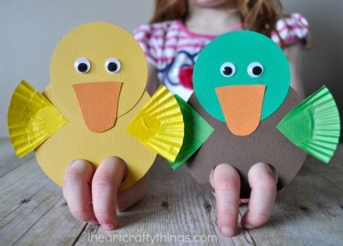 kreative und lustige DIY Ideen für Kinder, Enten aus Papier basteln, gelb und grün