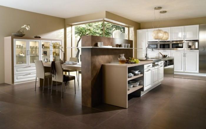 feng shui, küche in naturfarben, weiße schränke, tisch, stühle