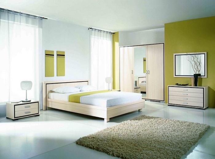 feng shui, schlafzimmer in weiß und grün, teppich, bett, schrank mit spiegel