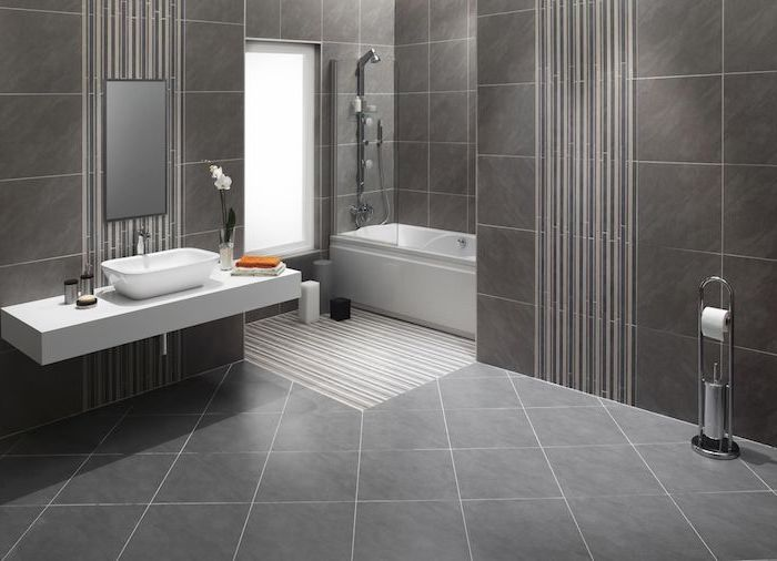 Fußbodenbelag in Naturstein Optik grau wie Stein, moderne Badezimmer Ausstattung