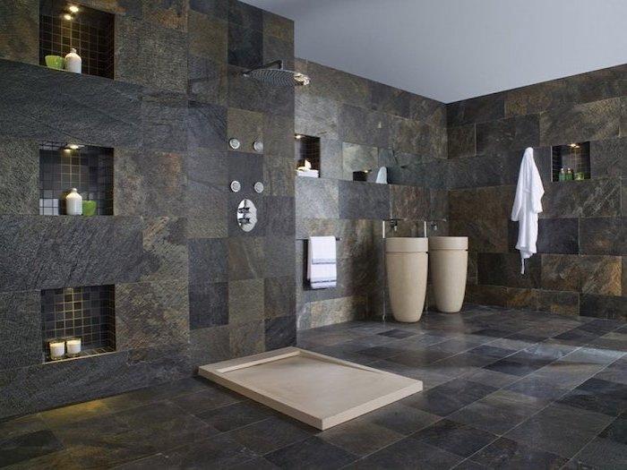 Designer Fußboden in grauer Farbe - Naturstein Optik im Badezimmer