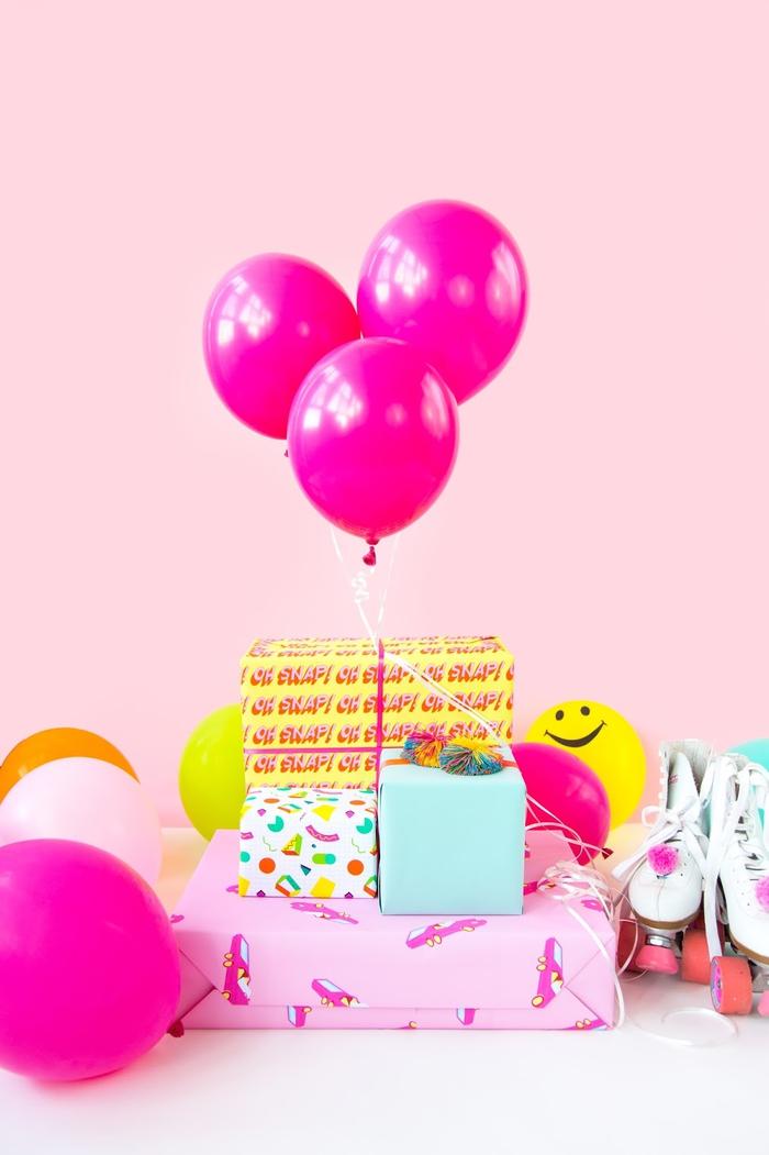 viele Geschenke und Ballons zum Geburtstag, eine wunderschöne Überraschung
