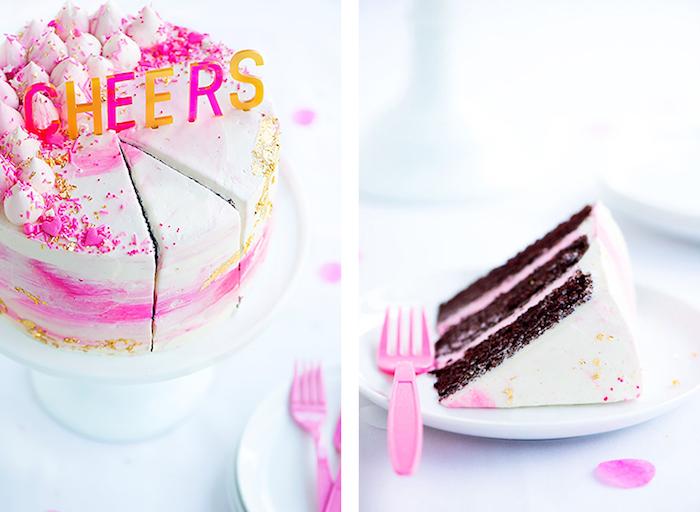 geburtstagskuchen backen, torte mit schokolade-schichten dekoriert mit sahne