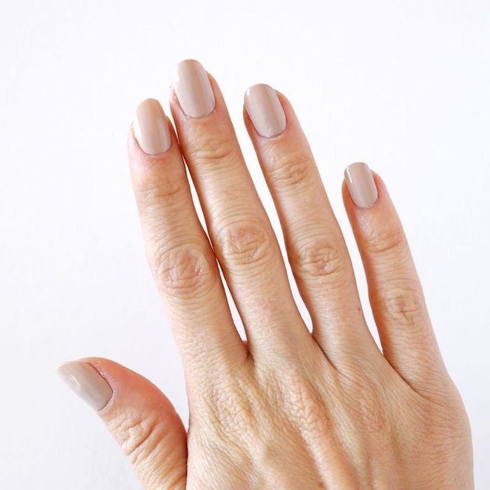 gelnägel bilder, lange nägel lackieren, beiger nagellack