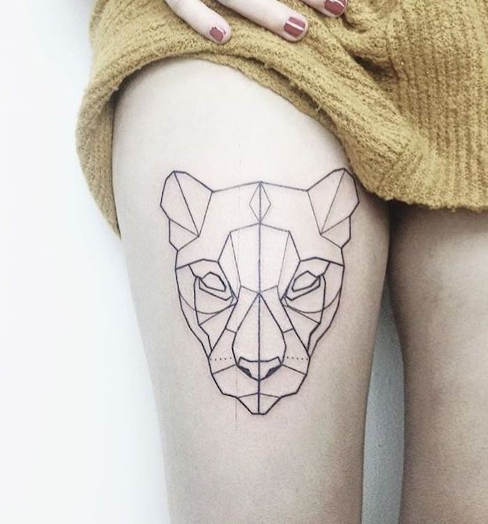 Tattoo aus Strichen, weibliche Löwe, Löwe ohne Mahne, Oberschenkel
