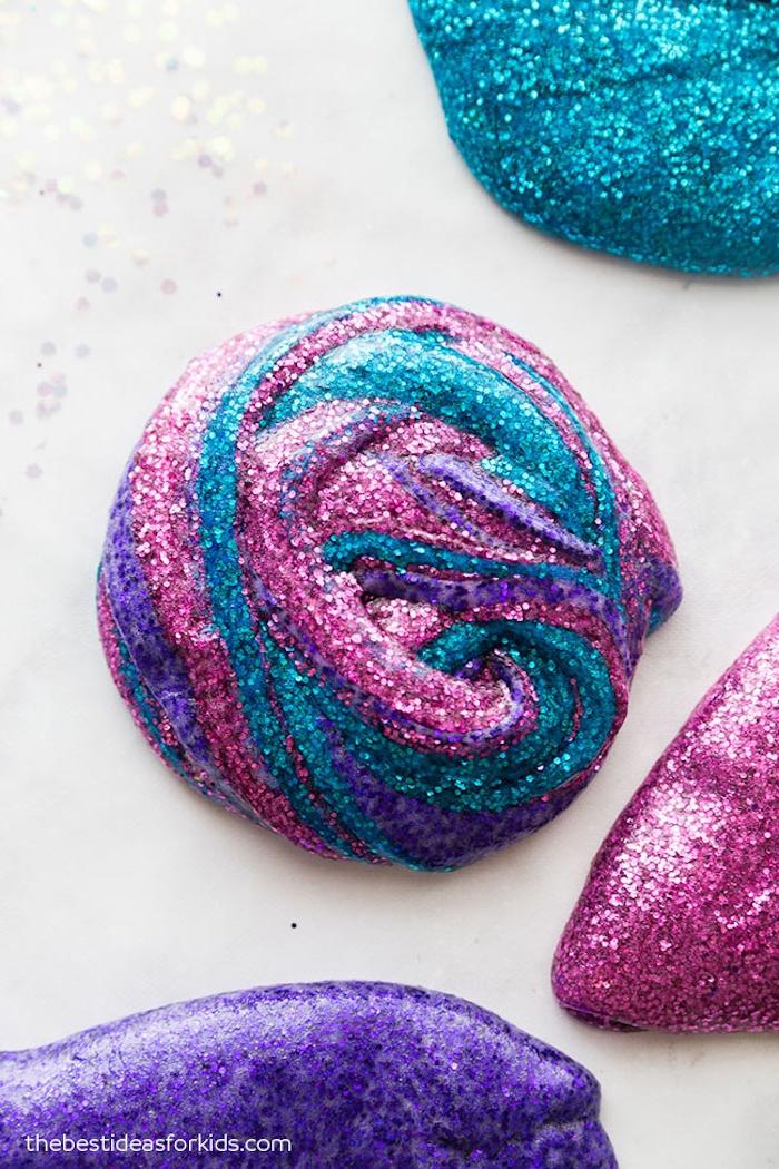 Schleim Rezept Schritt für Schritt, Glitter Slime in drei Farben, mit Kindern basteln und spielen