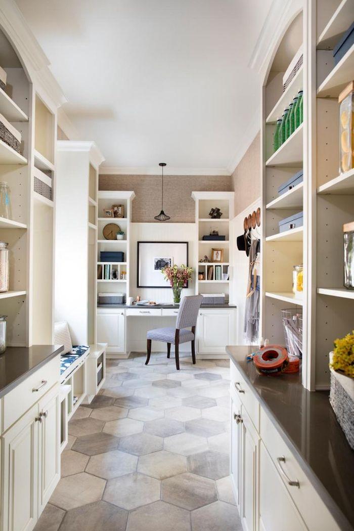 Bodenbelag Küche Bienenkorb Motive von Fliesen eine kleine und kompakte Küche