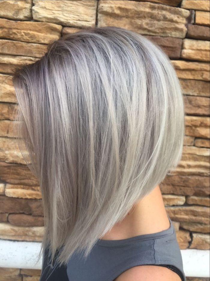 graue tönung, kurze glatte haare, dame mit bob-frisur