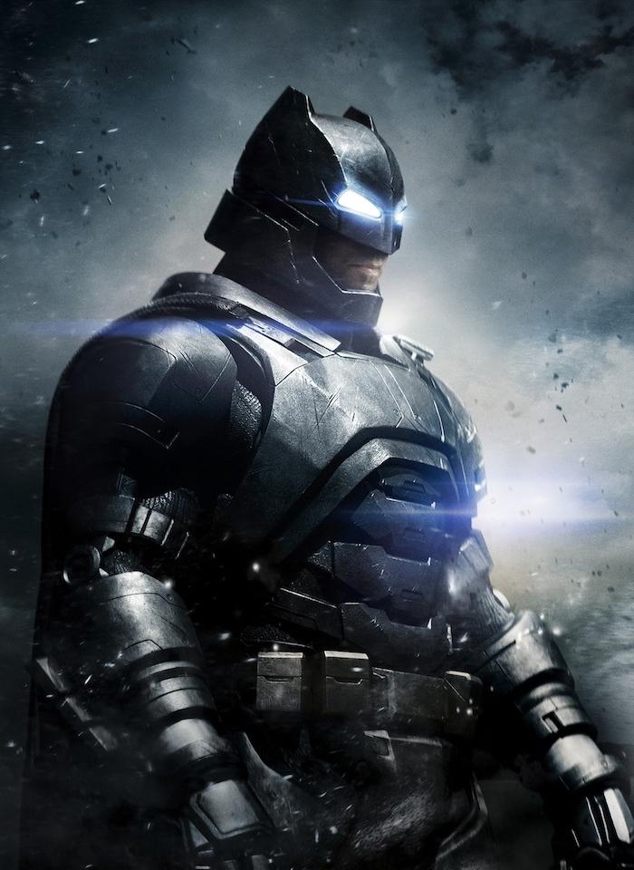 jetzt zeigen wir ihnen benn affleck mit seinem neuen, tollen, schwarzen und sehr schön aussehenden batman kostüm aus metall ß batman vs suoerman