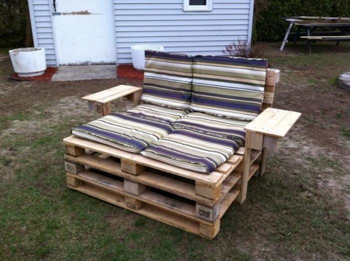 eine idee zum thema palettenmöbel sofa für den außenbereich - idee für palettenmöbel terrasse