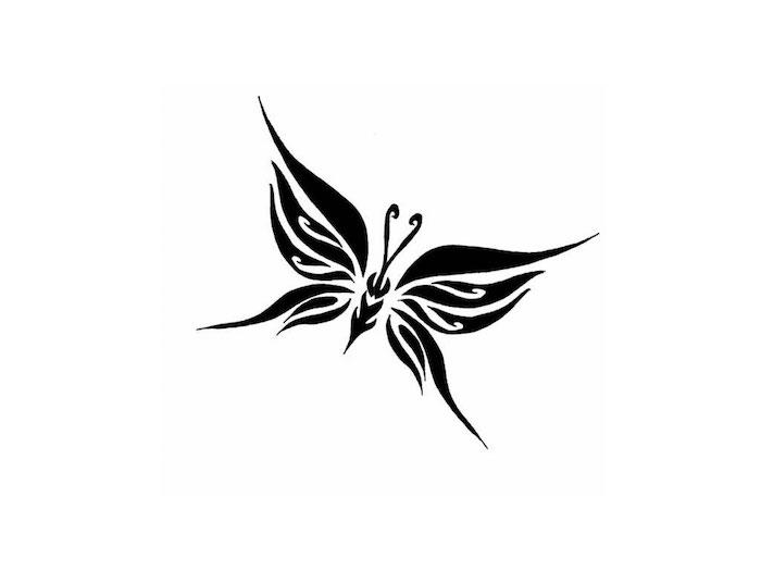 das ist noch eine ganz tolle idee für einen schwarzen, kleinen, winzigen nd sehr schön aussehenden tattoo mit einem mini schwarzen fliegenden schmetterling