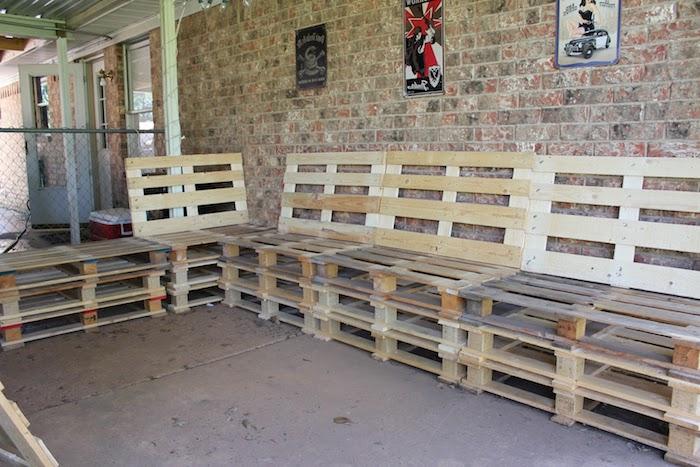 auf diese weise kann jeder von uns ihre eigenen sofas aus alten europaletten selber bauen