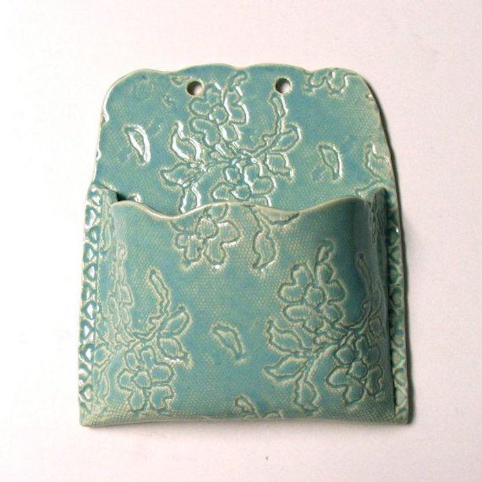 Handyständer für Wand aus Keramik, Blumenmotive, blaue Farbe, Lack