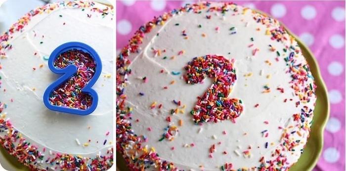 geburtstag torte mit weißer sahne dekoriert mit bunten streuseln