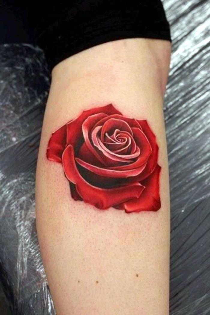 bleiebteste tattoos, bunte tätowierung, rote rose am bein