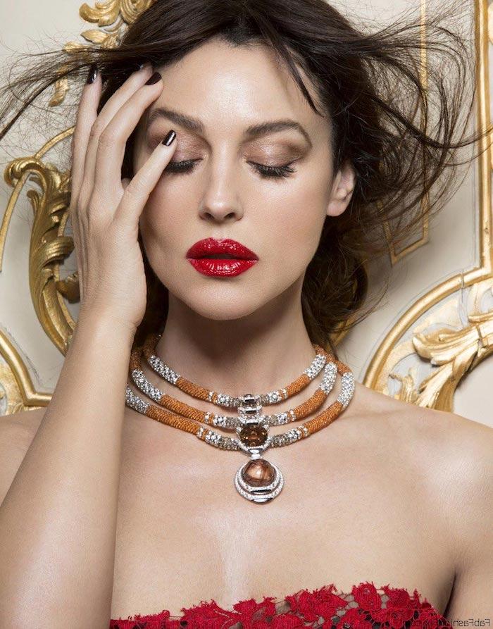 cleopatra make up dezente variante roter lippenstift großartige kette lidschatten