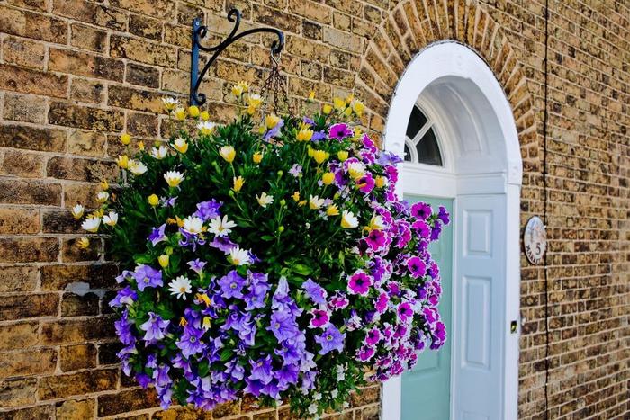 das Zuhause mit Blumen schön dekorieren- nützliche Tipps und Ideen