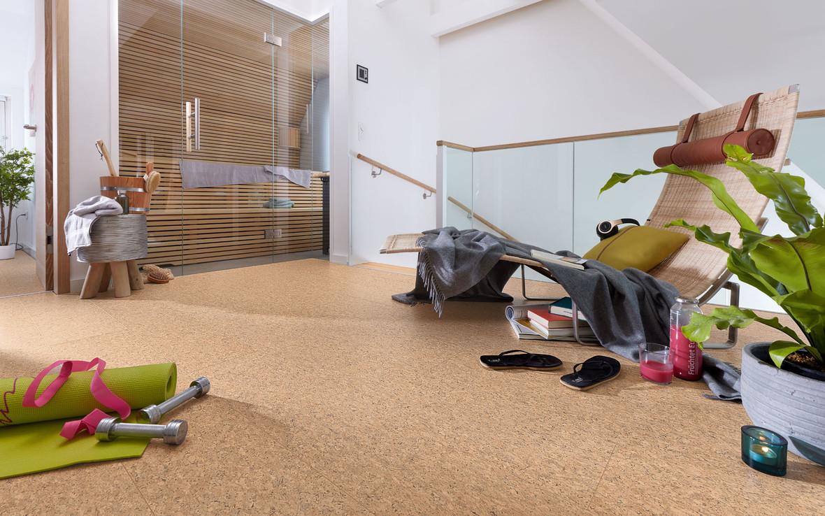 ein Zimmer von sportlichen Typen Kork Fußbodenbelag in Sand Optik moderne Architektur