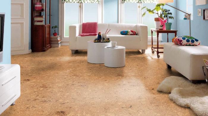 süß gestaltetes 2-Zimmer-Wohnung mit hellblauen Wänden und weißen Möbeln