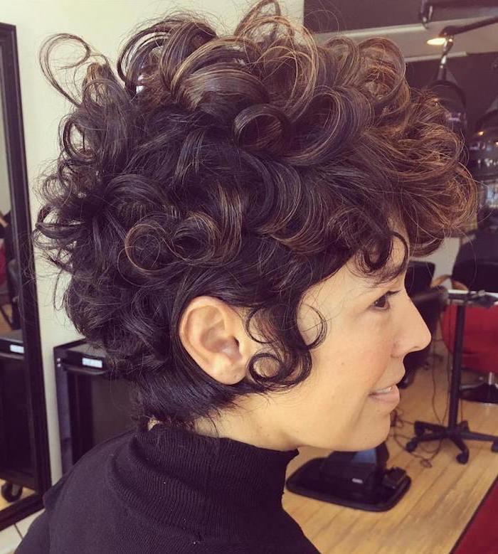 kurze Haare von Kurzhaarfrisuren Naturlocken Haar in zwei Farben und Bob Frisur