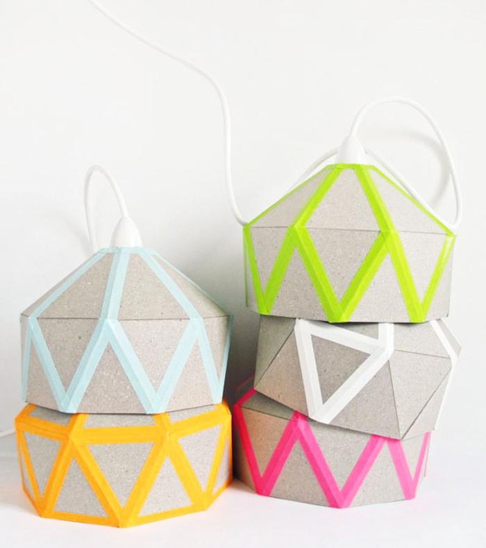 Lampenschirme aus Pappkarton selber machen, DIY Ideen für Erwachsene, Basteln und Spaß haben
