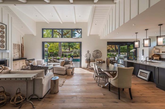 Wohnzimmer in Beige, Ideen für Landhausstil-Einrichtung, stilvoll und gemütlich