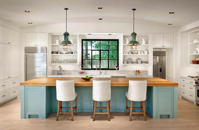 Ideen für Landhausstil-Einrichtung, gemütliche Küche in hellen Farben, Holzmöbel