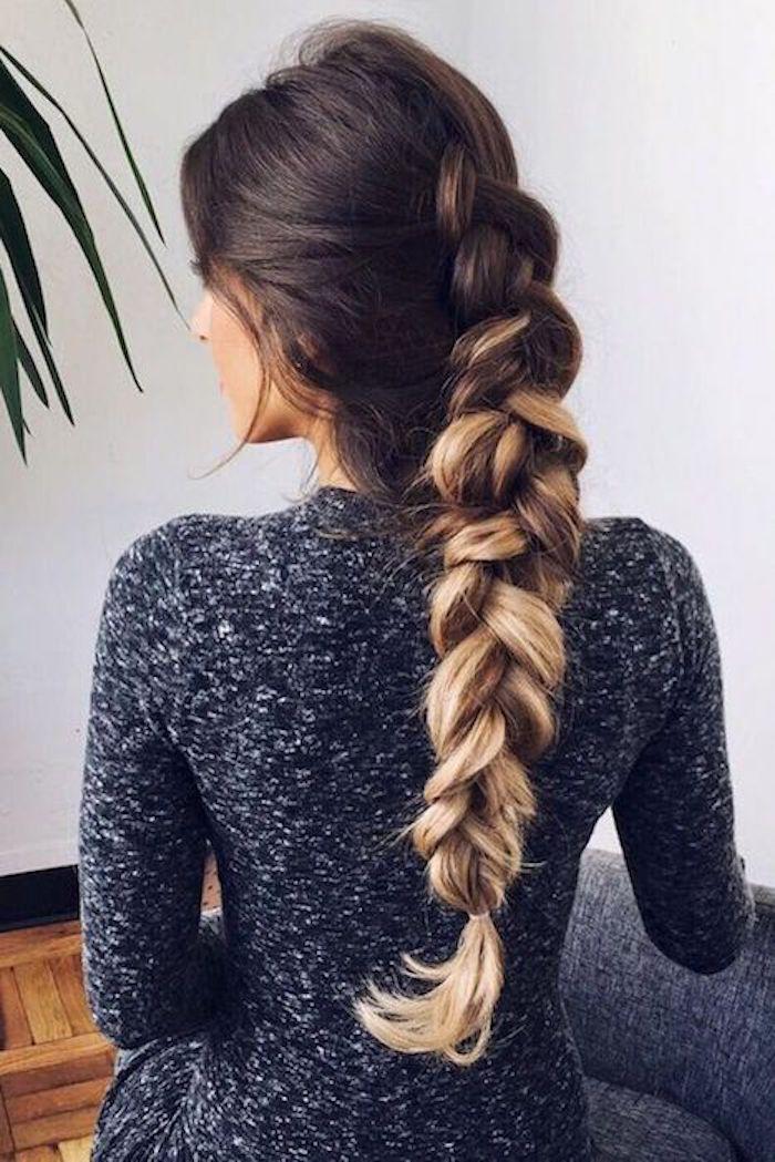 helle spitzen sehen klasse aus wenn man die haare in einem zopf bindet frau mit kleid