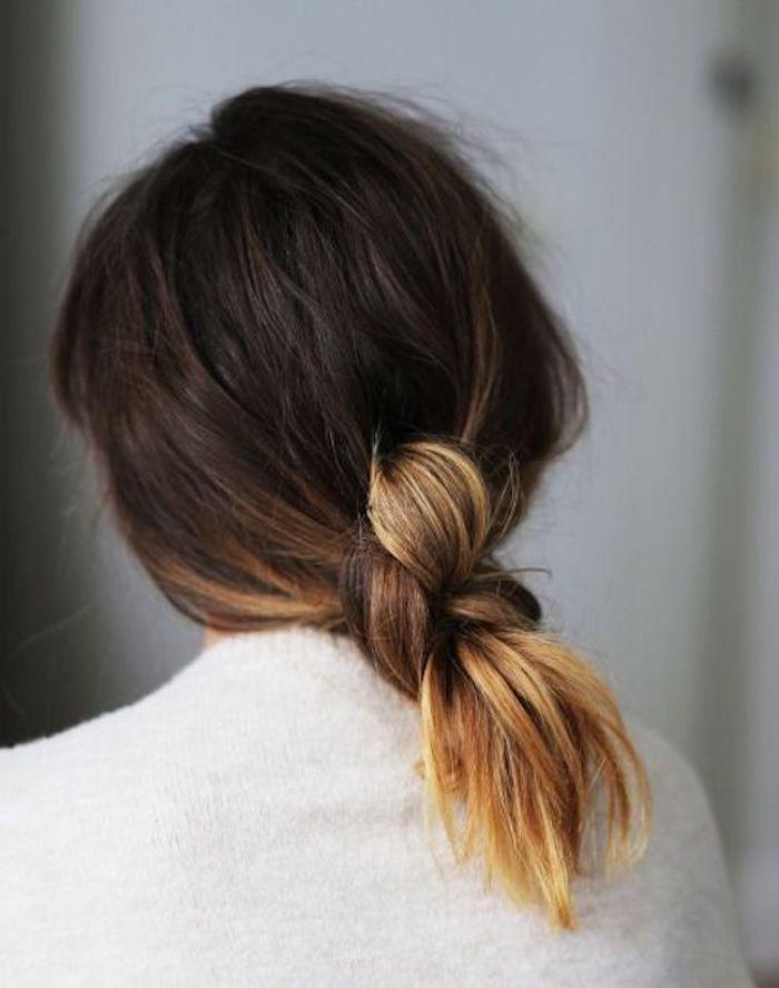 braune haare mit blonden spitzen binden um eine einzigartige und einfache frisur zu schaffen