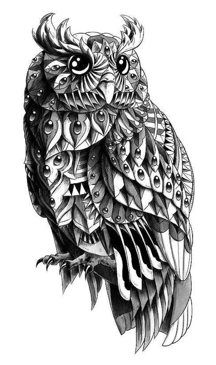 hier finden sie noch eine idee für einen schwarzen owl tattoo mit schwarzen federn und großen augen